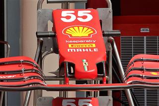 Технічний брифінг: носовий обтікач Ferrari SF21