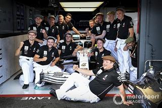 Галерея: ретро-уніформа Mercedes на Гран Прі Німеччини