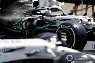 Галерея: машина Mercedes отримала нову ліврею на Гран Прі Німеччини
