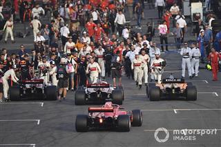 Шпаргалка до змін правил Формули 1 2019 року: штрафи та прогрівочне коло