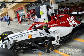 Галерея: непризові гонщики на тестах Ф1 у Бахрейні