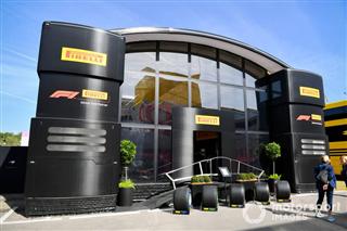 Галерея моторхоумів: домівки на колесах команд Формули 1 2019 року