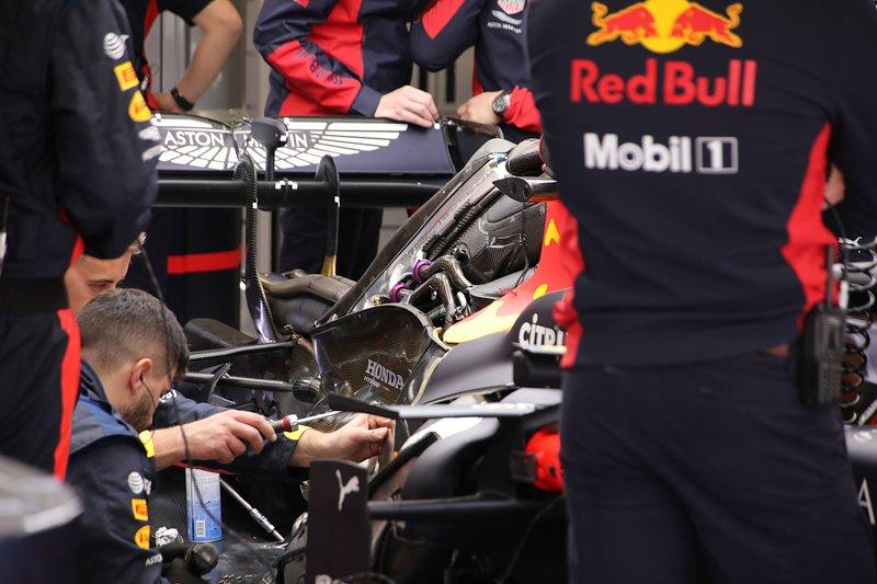 Мотористів Honda запідозрили у використанні сірих зон регламенту